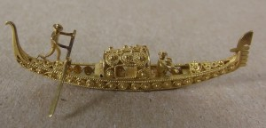 Miniature Venetian gondola. courtesy of The Mariners' Museum.