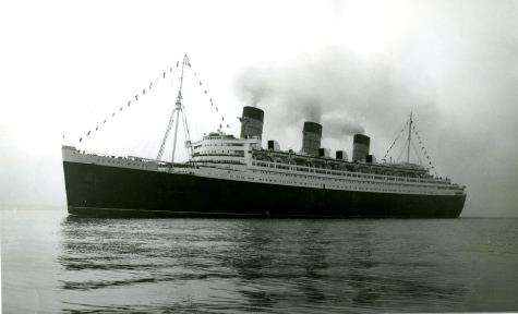 Queen Mary sailing in 1936