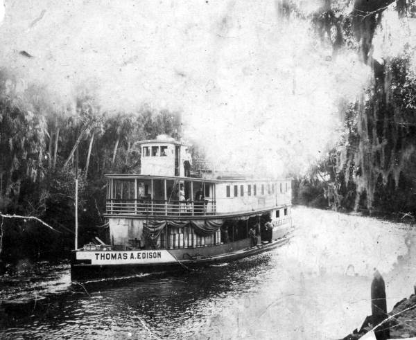 """Paddle steamboat """"Thomas A. Edison"""" on the Caloosahatchee River; Courtesy of State Archives of Florida, Florida Memory, http://floridamemory.com/items/show/26635"""