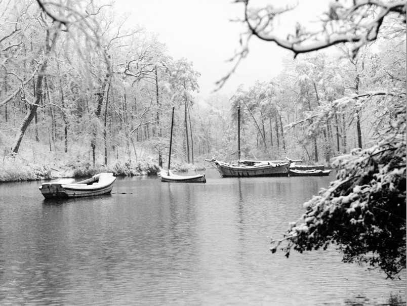 """Boats on The Mariners"""" Lake"""